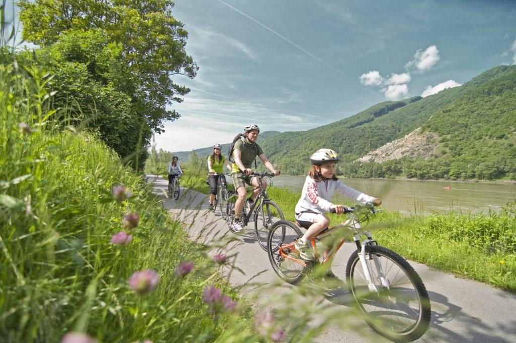 Ebiking-Biking-Czech_republic
